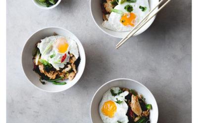 Fragrant nasi goreng with chicken andbroccoli