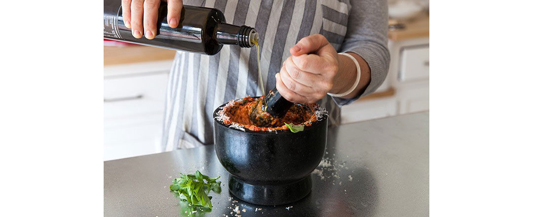 3 reasons you should be cooking with a pestle andmortar